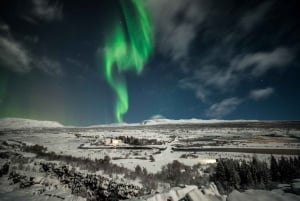 Small-Group Premium Northern Lights Tour from Reykjavik