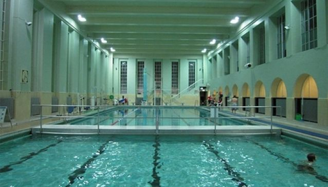 Sundhollin thermal pool