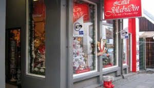 The Little Christmas Shop - Litla Jólabúðin