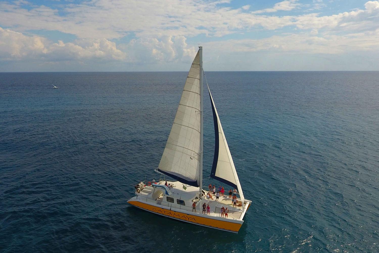 Open Bar Catamaran & Snorkelling Tour