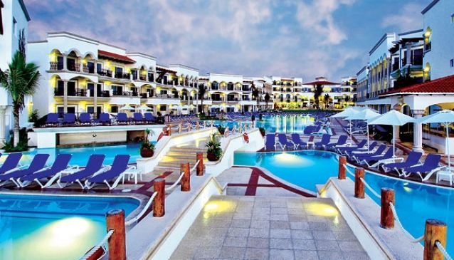 Real Resorts Playa del Carmen