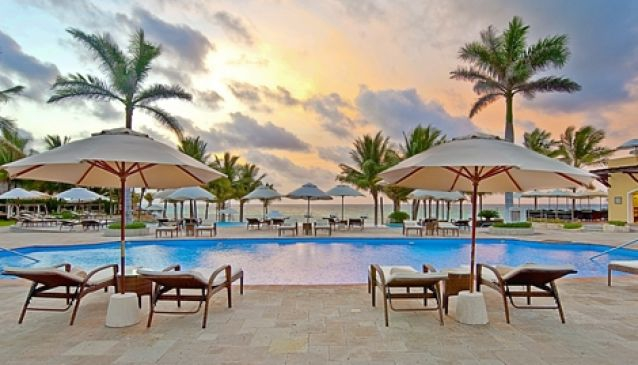Royal Hideaway Playacar
