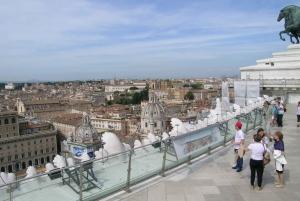 Vittoriano Terrace, Roman Forum, and Colosseum 3-Hour Tour