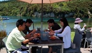 Huka Prawns Restaurant
