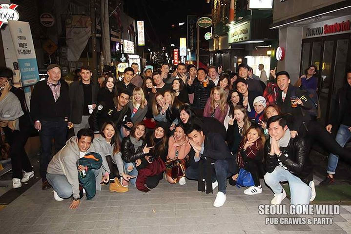 Seoul Pub Crawl (feat. The biggest club in Itaewon)