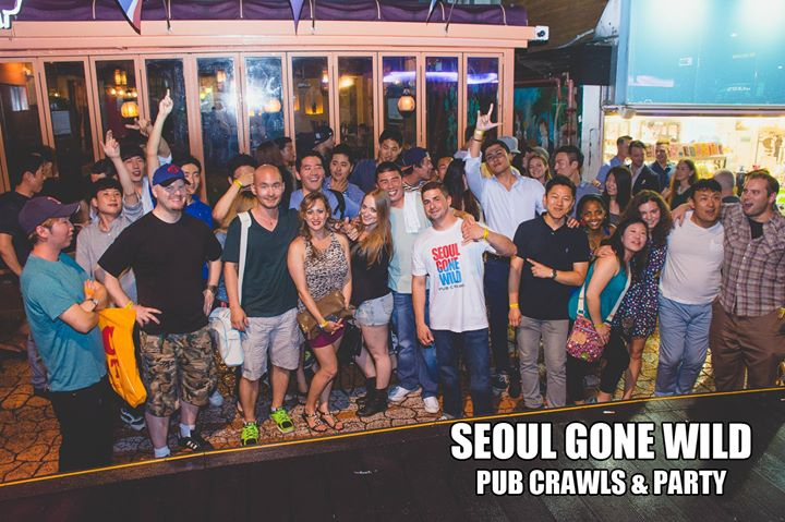 Seoul Pub Crawl in Itaewon!