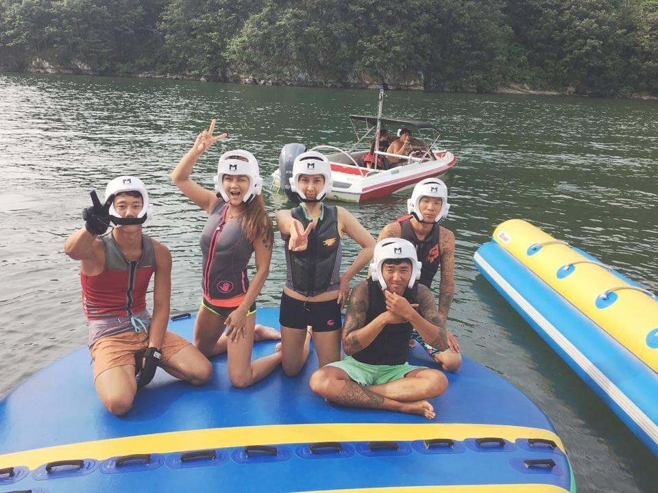 Wakeboarding / water skiing / tubing