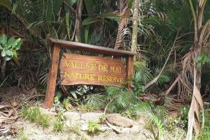 Praslin: Vallée de Mai and Anse Lazio Beach Full-day Tour