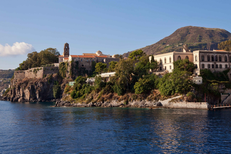 Aeolian Islands Tour to Lipari and Vulcano