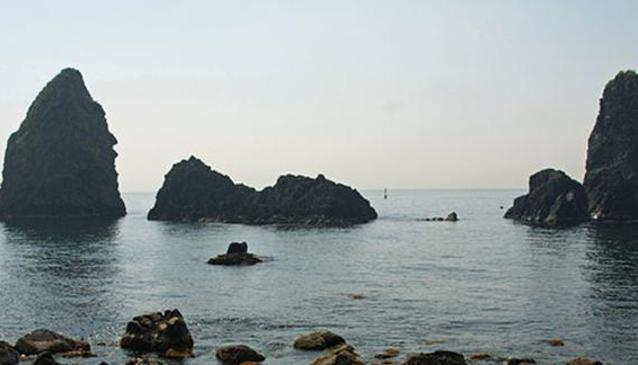 Boat trip at the Cyclops Coast