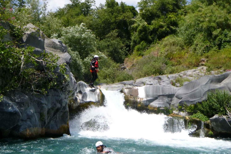 Catania: Alcantara River Jumping Experience