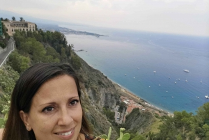 Catania: Giardini, Taormina, and Castelmola Day Trip