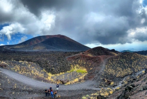 Catania: Mount Etna Day Trip with Tasting and Cave Trip