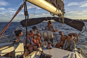 Catania: Sailing Tour with Lunch