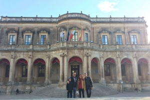 Catania: Syracuse, Ortigia and Noto Transfer and Tour