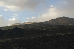 Catania: Winter Sunset Etna Jeep Tour with Lunch