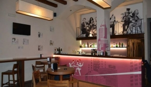 Divinfollia wine and beer bar