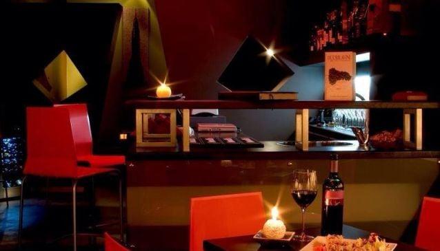 Enoteca Versi di Rosso - Wine Bar