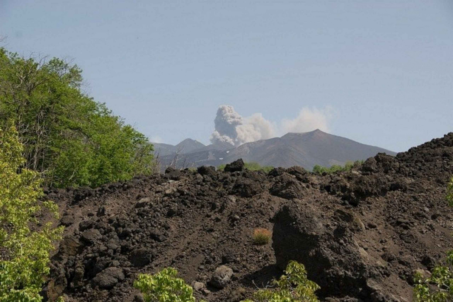 Etna Nature and Flavors: 6-Hour Tour from Taormina