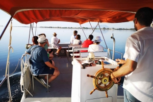 From Trapani: Salt Road Tour With Winery Visit and Boat Trip