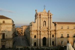 Syracuse: Guided Walking Tour of Secret Ortygia