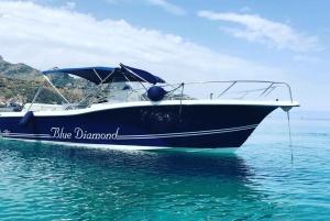 Taormina: Coastline Boat Tour and Swimming at Isola Bella