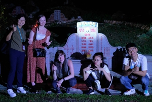 Singapore: Creepy Tales of World War II and Cemetery Tour