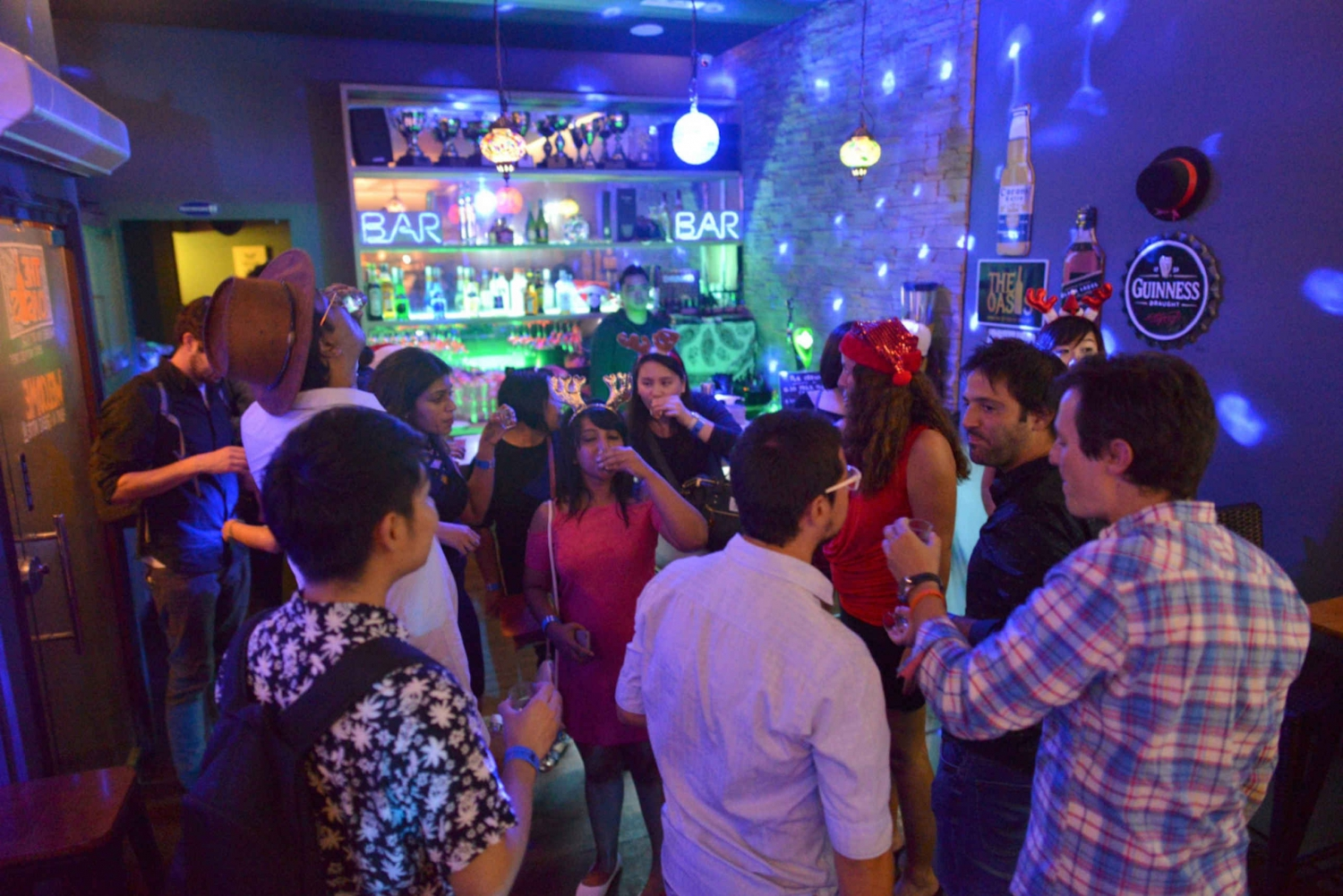 Singapore Pub Crawl and Nightlife Pass