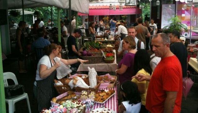 The Farmers Market @ Loewen Gardens