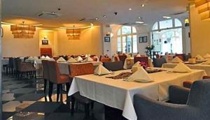 Viet Lang Restaurant at The Arts House