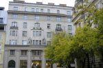 Apartment 4 Roses