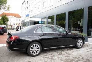 Bratislava: Airport to Hotel Private Transfer Service