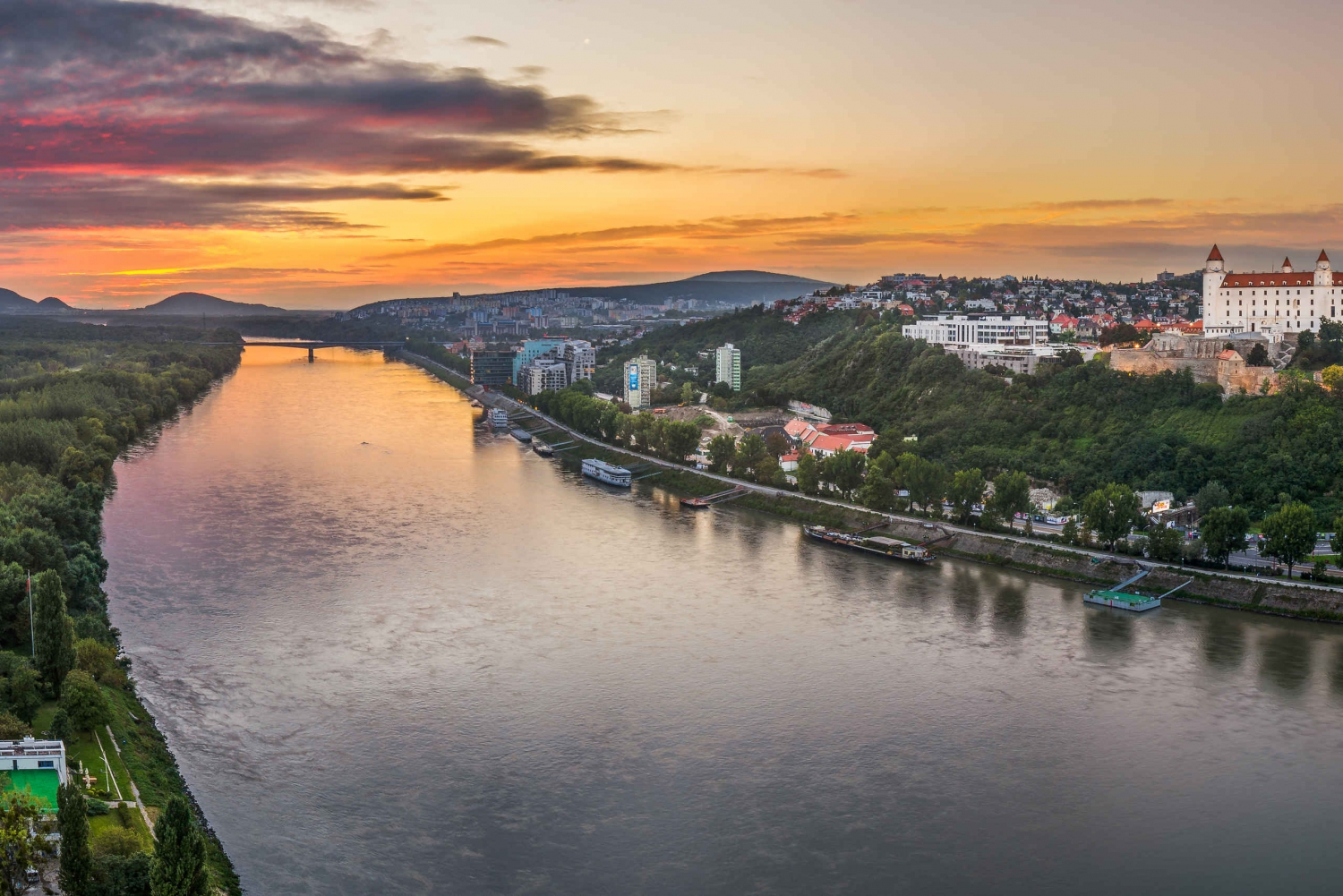 Bratislava: City Highlights and Surroundings Tour