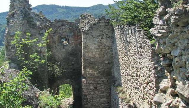 Hricov Castle