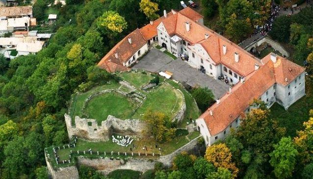 Modrý Kamen Castle