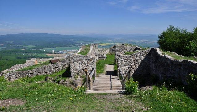 Pustý Castle