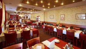 Restaurant, Bar & Bowling Bar Pension Barca