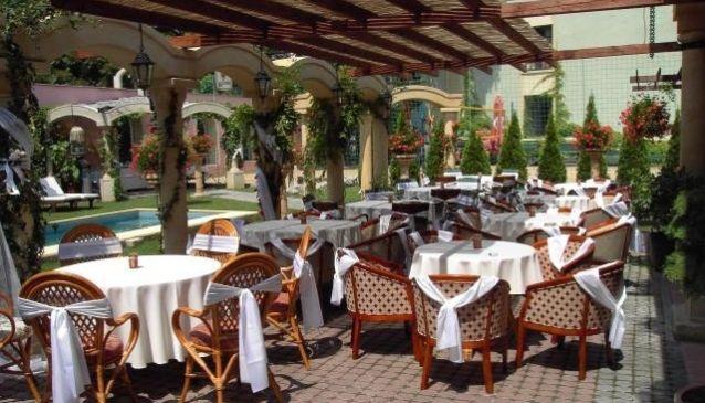 Restaurant & Cocktail Bar Hotel Bow Garden