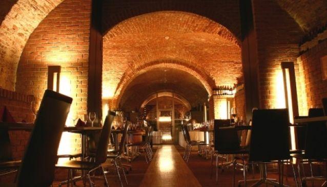 Restaurant & Wine Cellar Villa Ne?as