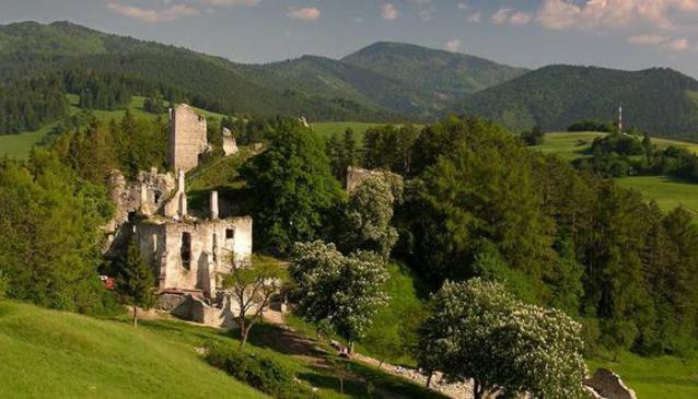 Sklabina Castle