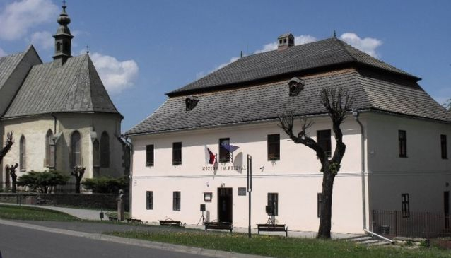 STM - J. M. Petzval Museum