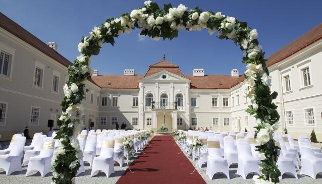 Weddings at the Art Hotel Ka?tiel