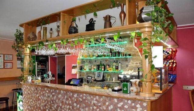 Bander Bar