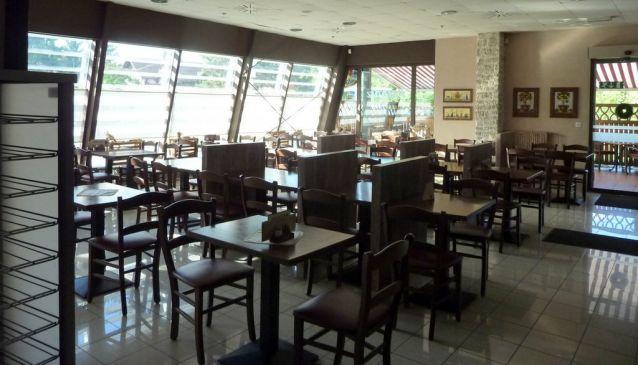 Café bar and restaurant Paradi?