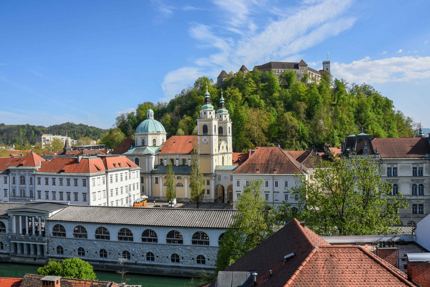 Ljubljana: Guided Walk & Funicular Ride to Ljubljana Castle