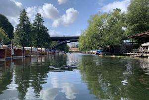 Stockholm: Eco-Friendly Sunset Kayaking Tour