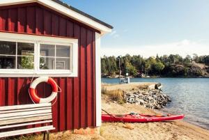 Vaxholm: Stockholm Archipelago Kayaking Tour