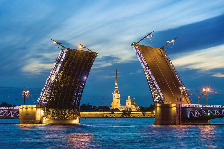 Private Guide Drawbridges Cruise in Saint-Petersburg