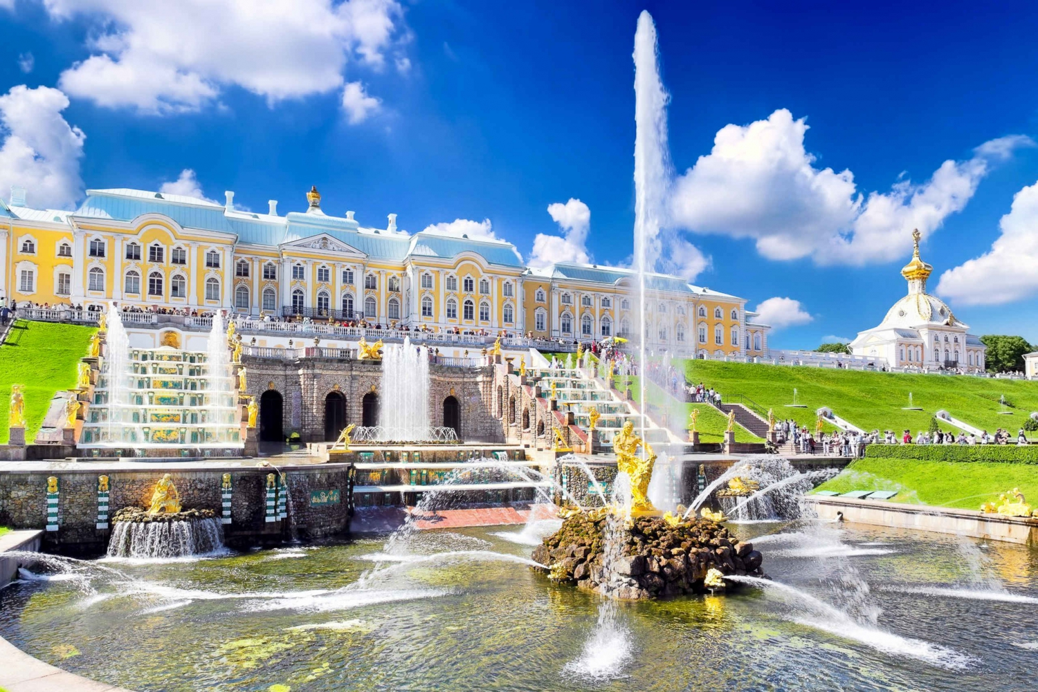 Private Peterhof Palace Tour with Pick-Up