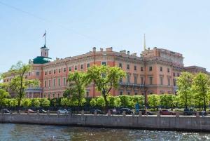 Saint Petersburg: Like a Local Walking Tour